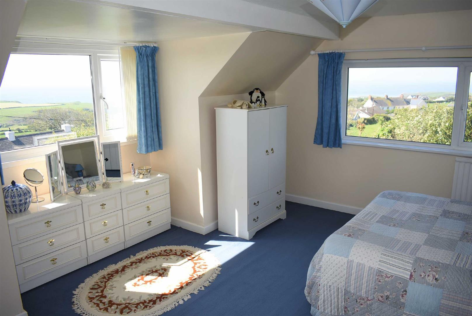 Sheep Green House, Middleton, Swansea, SA3 1PJ